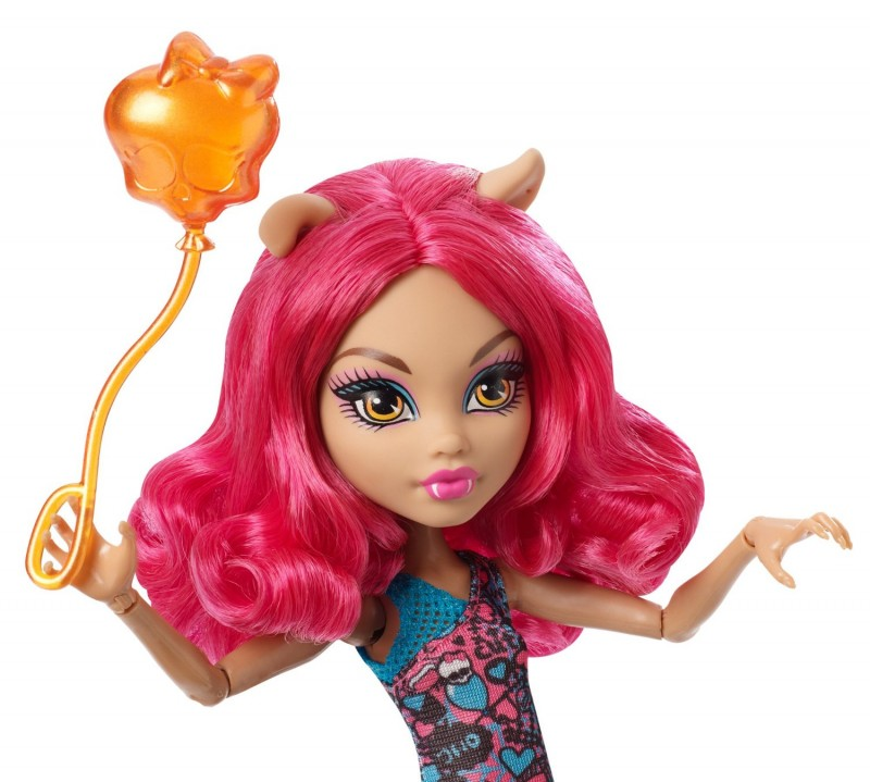 CHW70 / CHW69 Monster High Ghoul Fair Howleen Wolf Doll