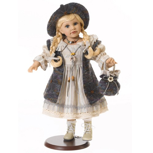 BDK32 / BDK31 Disney Frozen Royal Color Change Anna Doll