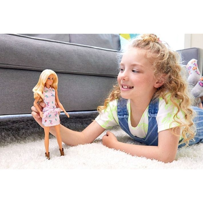 BDK33 / BDK31 Disney Frozen Royal Color Change Elsa Doll ELZA