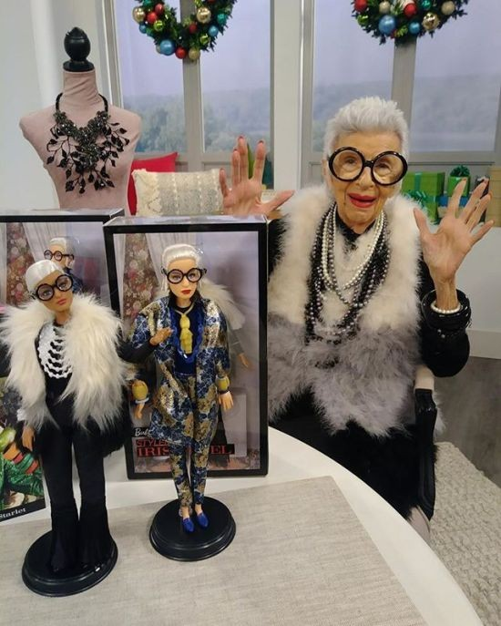 FWJ28/FWJ26  Barbie Collector  Styled by Iris Apfel Doll MATTEL