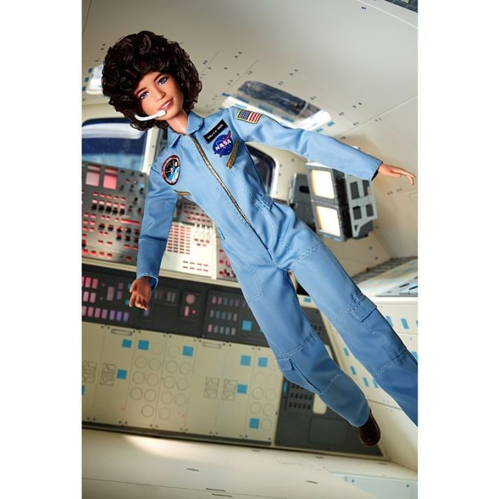 FXD77/FJH62  Barbie Inspiring Women Series Sally Ride Doll MATTEL