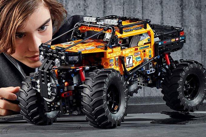 GLC97 Hot Wheels®Track Builder Unlimited Ultra Boost Kit Motorized Set